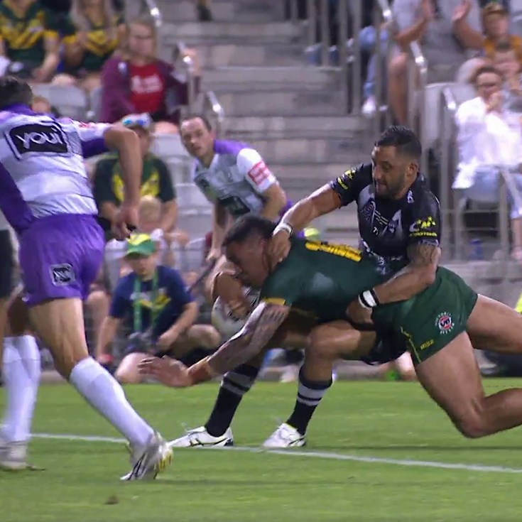 Frizell breaks through on the right