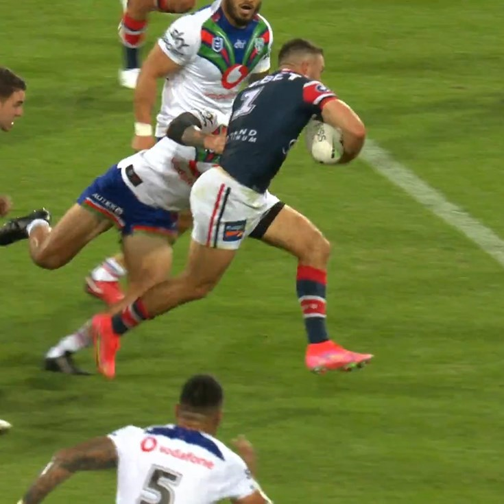 James Tedesco scores a brilliant individual try