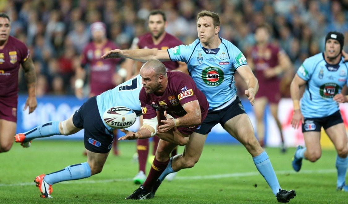 Nate Myles offloads :Digital Image Grant Trouville © NRLphotos  : NRL Rugby League - State Of Origin  - Game 3 at Suncorp Stadium, July 8th Brisbane   2015.