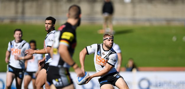 Magpies Hold-Out Gutsy Panthers Outfit