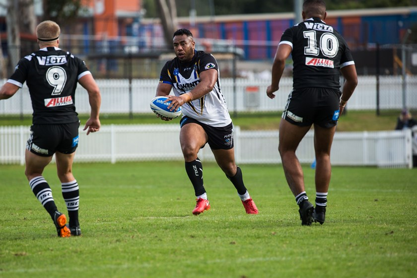 Siosaia Vave in action for the Wentworthville Magpies.